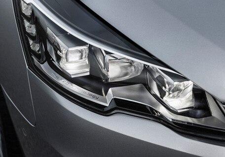 /image/54/4/adaptive-headlights.182544.jpg