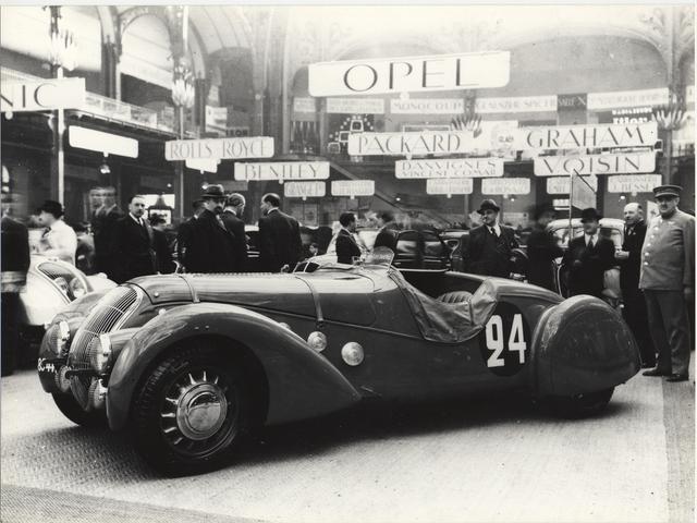 /image/67/6/illus-1938-sport.153456.343676.png